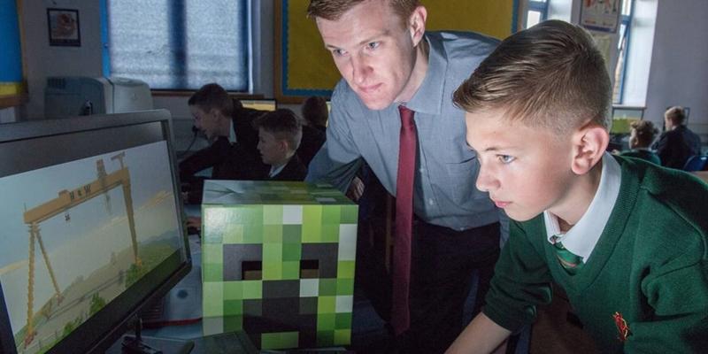 Polska zachęca do korzystania z Minecraft